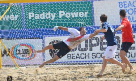 Alessandro 'BatGiovi' Giovinazzo e la Genova Beach Soccer all'assalto della sabbia di Napoli