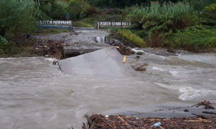 SERRA RICCO', crolla il ponte sul Secca: impianto Negrotto chiuso oggi e domani