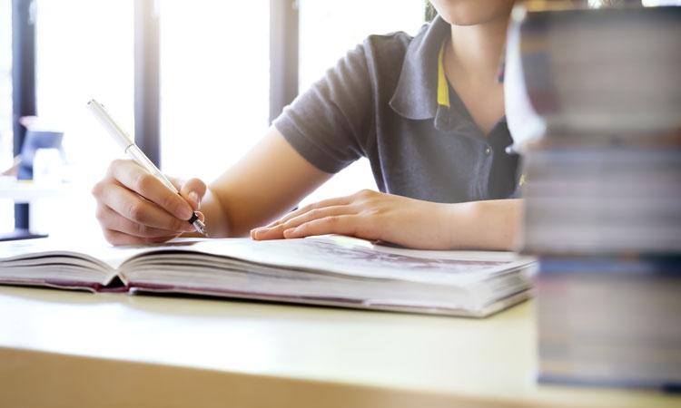 """Maturità 2020, Sibilia agli studenti: """"Date il massimo, come foste di nuovo in campo"""""""