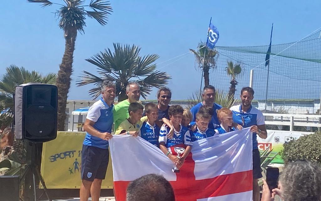 L'Avegno Beach Soccer celebra il nuovo ponte di Genova